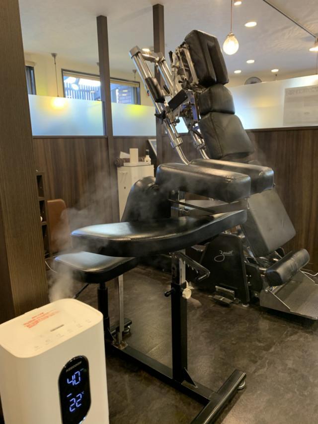 各治療ブースに1台ずつ除菌装置を設置。